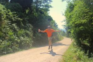 Timothy Avonda fliegt ins Ziel